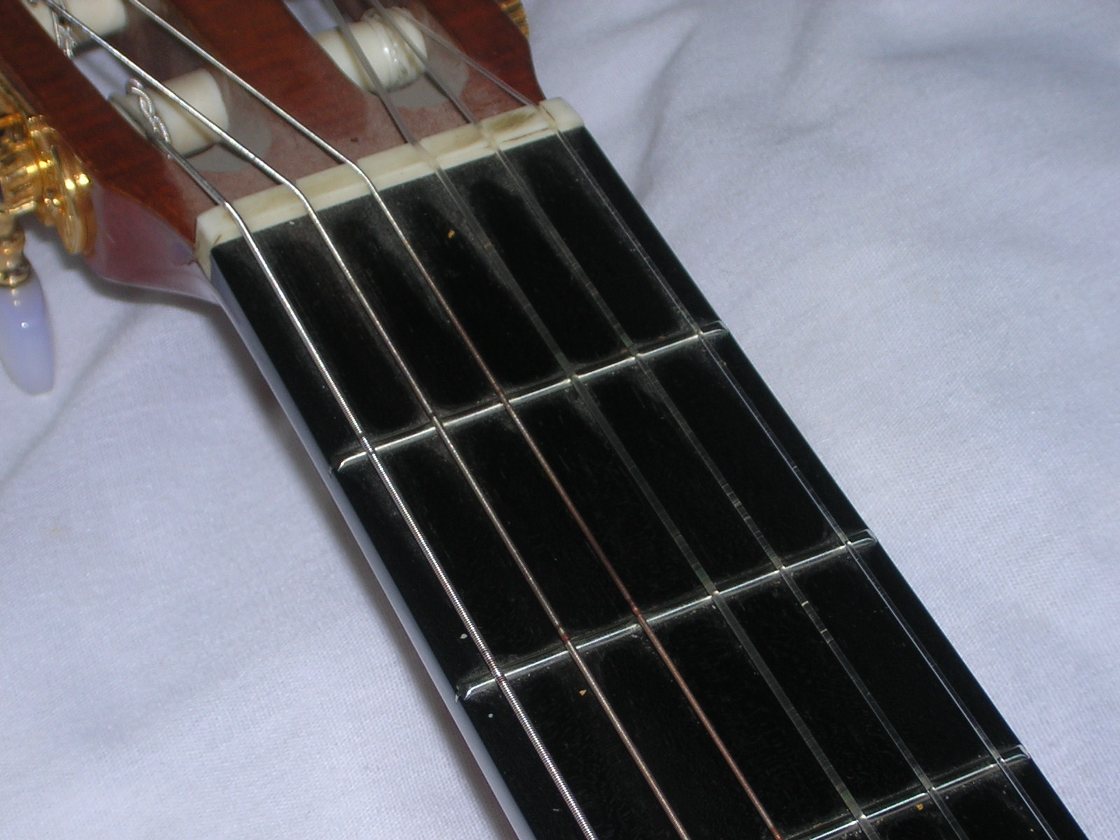 How To Change Guitar Strings Cgsmusic